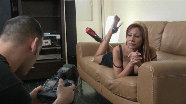 Hardcore ass fuck of the amazing milf pornstar Demi Delia and her man  324166