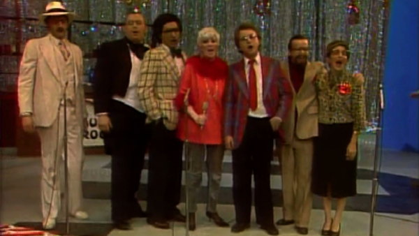 Dusty town's sexy holiday special sctv