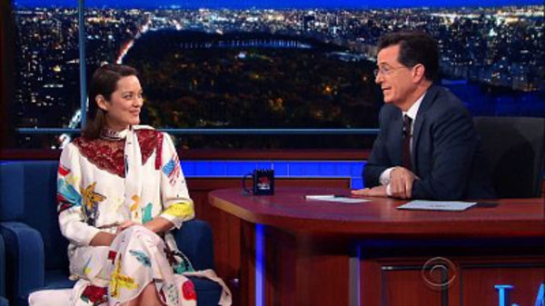The Late Show with Stephen Colbert - S01E54 - Marion Cotillard, George Saunders, Joanna Newsom