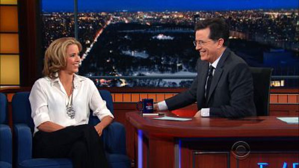The Late Show with Stephen Colbert - S01E95 - Tea Leoni, Amanda Peet, Triumph the Insult Comic Dog