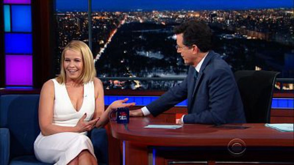 The Late Show with Stephen Colbert - S01E96 - Chelsea Handler, Zosia Mamet, The Lumineers