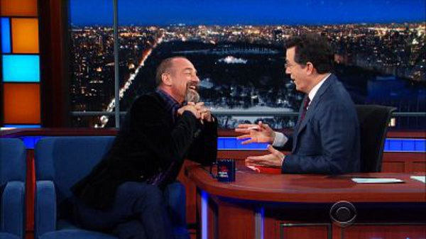 The Late Show with Stephen Colbert - S01E104 - Christopher Meloni, Mary Elizabeth Winstead, Edward Byers, Ray LaMontagne