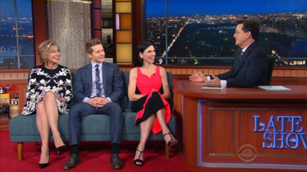 The Late Show with Stephen Colbert - S01E131 - Julianna Margulies, Christine Baranski, Matt Czuchry, Hank Azaria, Phil Knight